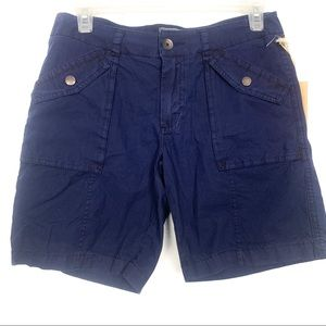 Roots cargo shorts with extra pockets size 2